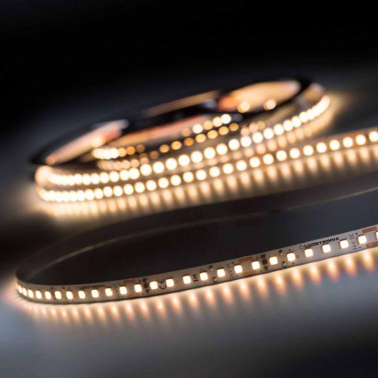 LumiFlex 700 Pro Nichia Striscia LED bianco caldo CRI90 2700K 11400lm 24V 140 LED/m 5m bobina (2280lm/m 192W/m)