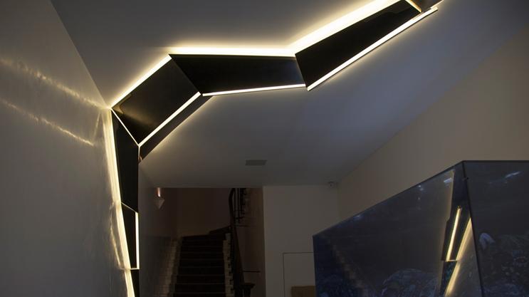 La striscia LED FlexOne500 Professional può essere tagliata su ogni LED (1 cm) e quindi utilizzata in molti progetti in cui le altre bande sono troppo lunghe.